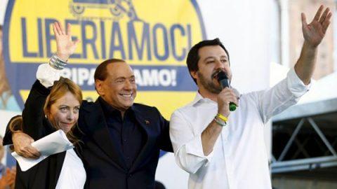 Berlusconi svela il nuovo logo. Nasce la coalizione a quattro