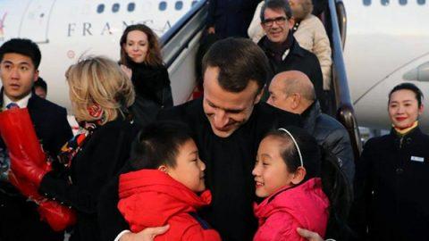"""Show di Macron in Cina su clima e commercio. """"L'Europa sta tornando"""""""