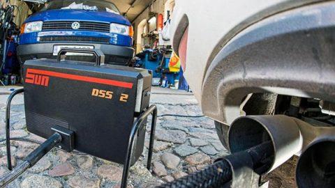 Scandalo test sugli scarichi diesel con cavie umane, cade la prima testa in Volkswagen
