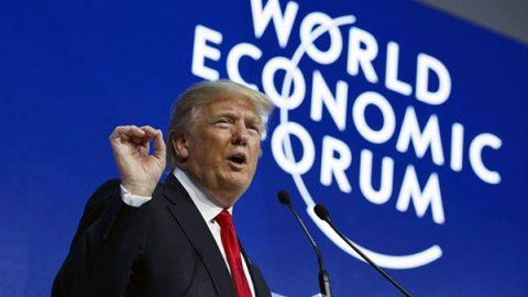 """Trump a Davos: """"Quando l'America cresce, tutto il mondo cresce. Si al commercio globale ma che sia equo"""""""