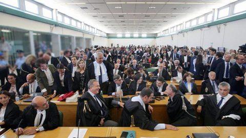 """""""Mafia Capitale"""", i pm di Roma chiedono la confisca dei beni per 150 milioni di euro"""