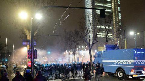 """Bombe carta con i chiodi contro la polizia, il Viminale: """"I fatti di Torino sono gravissimi"""""""