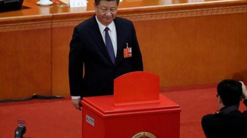 La Cina abolisce il limite ai mandati presidenziali
