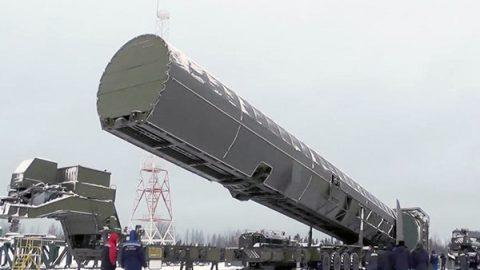 """La nuova minaccia di Putin: un super missile nucleare """"invulnerabile"""""""