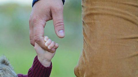 Roma come Torino: Comune riconosce figlia a due papà