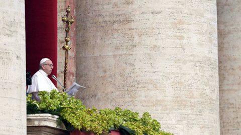 """Il Papa celebra la Pasqua: """"Stop allo sterminio in Siria"""""""
