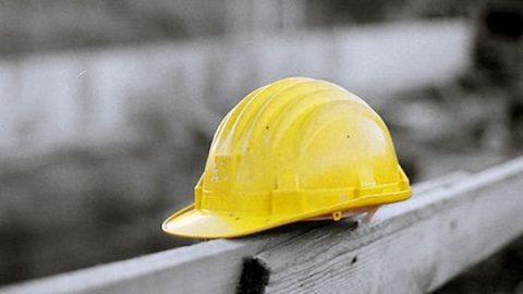 Incidente sul lavoro all'Ilva di Taranto. Sciopero immediato