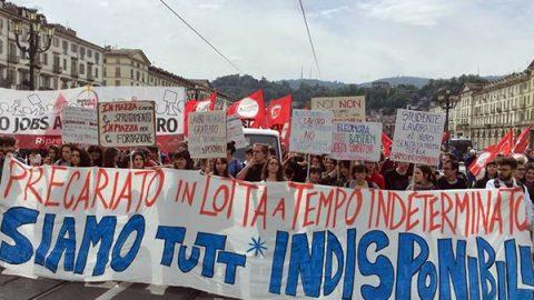 """Primo maggio, sindacati in corteo a Prato. Mattarella: """"Disoccupazione al Sud inaccettabile"""""""