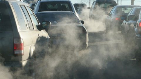 """Smog, Greenpeace: """"Roma ultima in Europa per sostenibilità e sicurezza"""""""