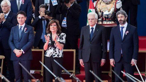"""2 giugno, Mattarella: """"I valori della Repubblica sono un pilastro per l'Ue"""". L'esordio di Conte: """"È la festa di tutti noi"""""""