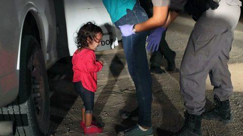 Raccolti 11 milioni di dollari su Facebook per aiutare i bimbi migranti separati dalle famiglie