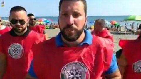 Spiagge, blitz Casapound a Ostia: cacciati venditori abusivi