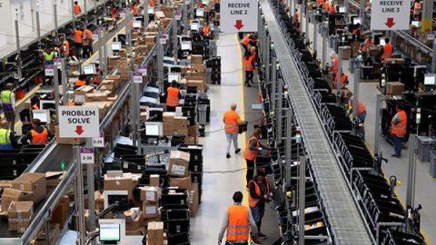 Amazon prende la licenza da operatore postale