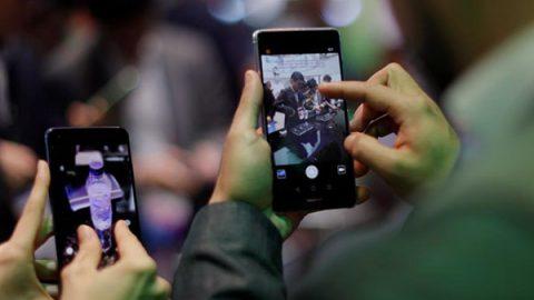 Rischi di cyberspionaggio, gli Usa chiedono ai Paesi alleati di non usare i cellulari Huawei