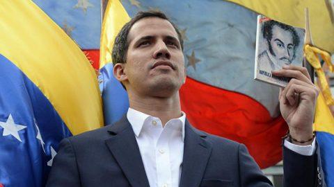 Guaidó si dichiara presidente pro tempore del Venezuela. Con il sostegno di Trump. Maduro non si arrende