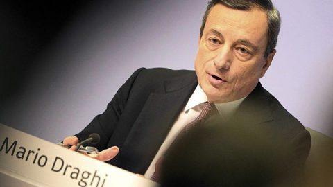 """Bce, Draghi: """"Economia più debole delle attese. Trattative su Brexit rischiose per la crescita"""""""