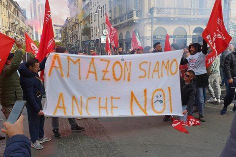 Lombardia, scioperano i driver di Amazon. Con loro il segretario della Cgil Maurizio Landini