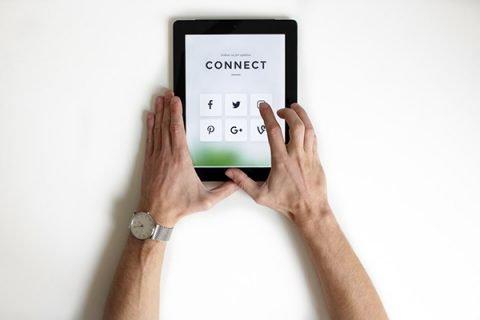 Under 30 sempre più web addicted ma carenti nelle relazioni sociali