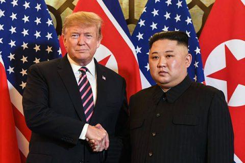 Il vertice tra Kim e Trump. Ora si attende la firma di un accordo