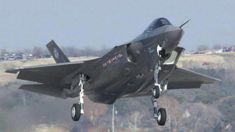 F35: l'Italia salderà il debito con gli Usa, ma è polemica tra Governo e militari