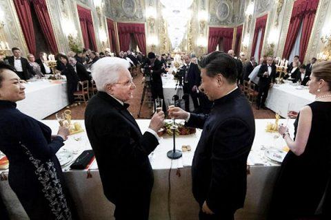 """Mattarella a Xi Jinping: """"Più cooperazione e confronto sui diritti"""""""
