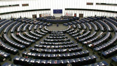 Il Parlamento Ue approva la riforma del copyright