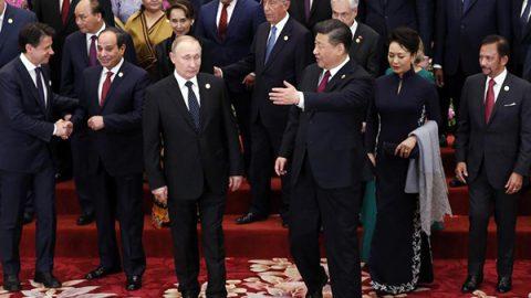 """Xi incoraggia i partner sulla Via della Seta: """"Progetto sostenibile e niente corruzione"""""""
