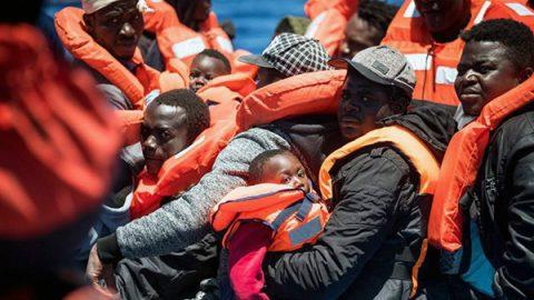 Dl Sicurezza bis: sanzioni per le navi, ma salta riferimento al soccorso dei migranti