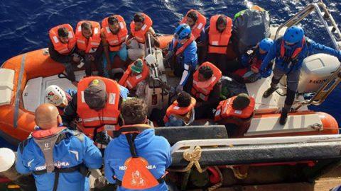 Migranti, almeno 70 morti in un naufragio al largo della Tunisia