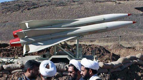 Iran, gli Usa lanciano attacchi informatici contro i sistemi missilistici
