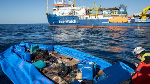 Scatta il decreto sicurezza bis, Salvini firma il divieto di ingresso in acque italiane per Sea Watch