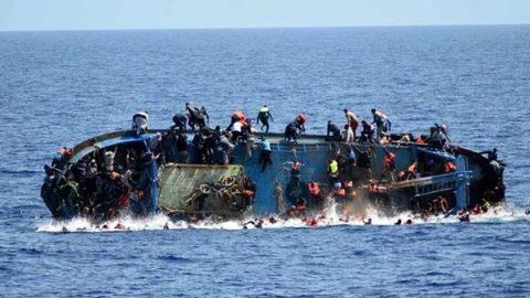 Strage di migranti sulle coste della Libia. Affondano due barconi e annegano in 150