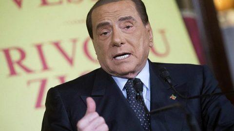 """Berlusconi lancia """"Altra Italia"""": federazione di centro alternativa alla sinistra"""