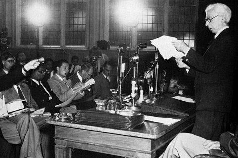 9 luglio 1955: Russell e Einstein, «Ricordatevi della vostra umanità, e dimenticate il resto»