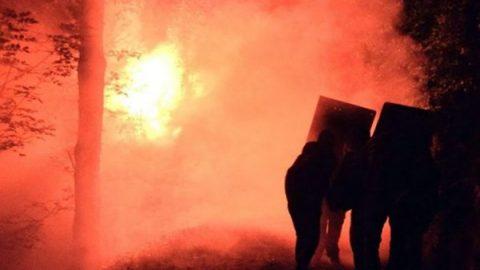 """Razzi contro la Polizia, ancora proteste No Tav in Valsusa. Salvini: """"Arrestare violenti e avanti coi lavori"""""""
