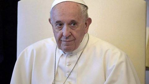 """Papa Francesco: """"I migranti simbolo di tutti gli scartati della società globalizzata"""""""