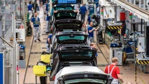Germania, a luglio la produzione industriale giù del 4,2%