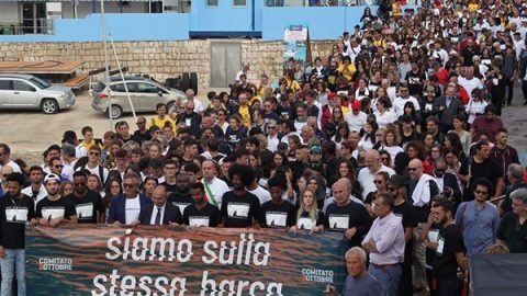 Migranti. 6 anni fa il naufragio di Lampedusa: 368 vittime, 20 dispersi