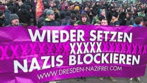 """La rivolta di Dresda contro l'onda xenofoba: """"Stato d'emergenza per il pericolo nazista"""""""
