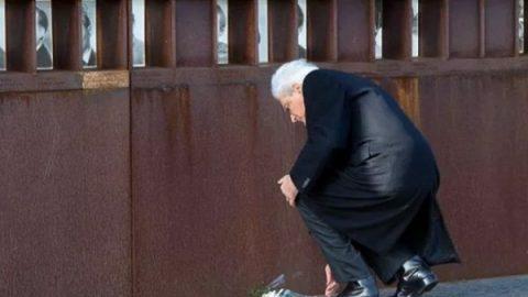 """Crollo del Muro di Berlino, Mattarella: """"Abbattuto da un vento di speranza, fu l'alba della libertà"""""""