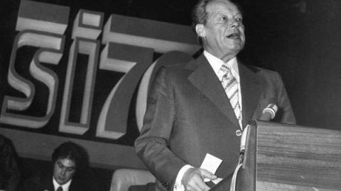 26 novembre 1976: Willy Brandt viene eletto presidente dell'Internazionale socialista
