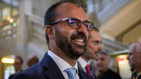 """Dimissioni Fioramonti, opposizioni all'attacco: """"Conte riferisca in Parlamento"""""""
