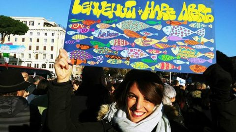 Le sardine riempiono piazza San Giovanni