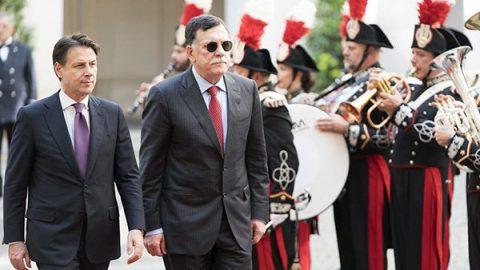 """Libia, Conte a colloquio con Al Serraj: """"Serve soluzione politica, tesso tela per la pace"""""""