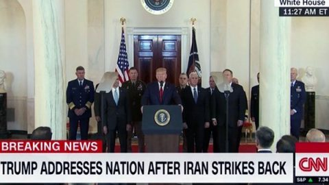 """Trump: """"Nuove sanzioni contro l'Iran, nostri soldati pronti ad ogni eventualità"""""""