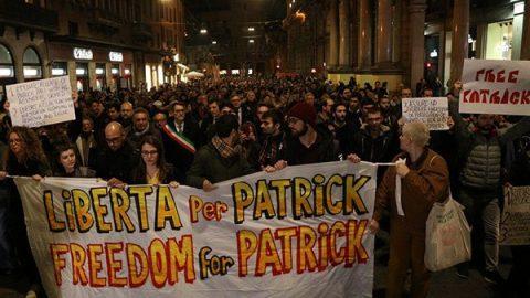 'Patrick libero': a Bologna scendono in piazza in migliaia