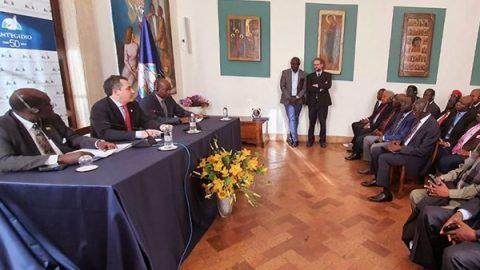 """Sud Sudan, a Roma il sì al cessate il fuoco: """"Grazie a Papa Francesco, la pace è possibile"""""""