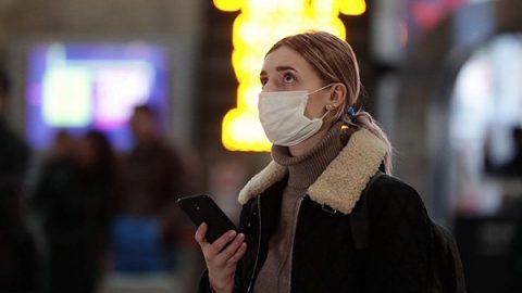 """Coronavirus, gli italiani nelle capitali europee: """"Parchi pieni e concerti, non ci sentiamo tutelati"""""""