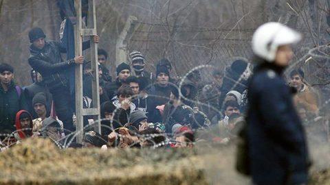 """Migranti, voci dal confine: """"Sulle isole greche si vive come in guerra, residenti esasperati"""""""