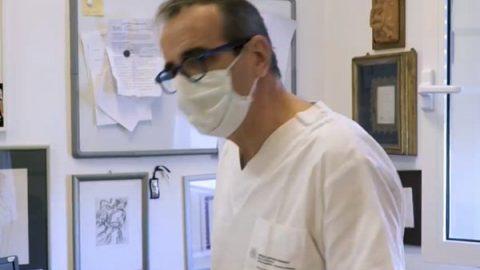 """Coronavirus, il virologo: """"Sanità in ginocchio se il trend non cambia"""""""